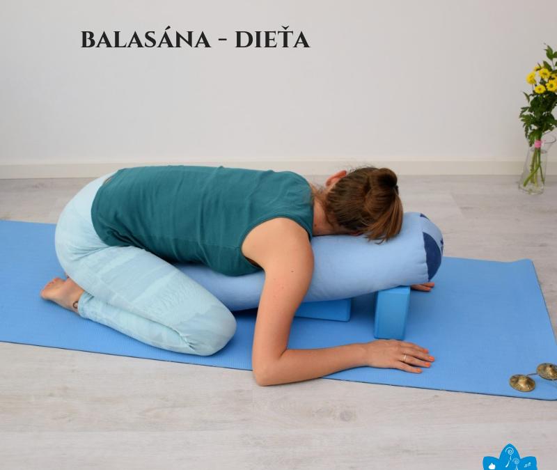 Balasána – pozícia dieťaťa v prevedení restoratívnej jogy